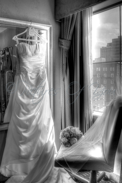 A B&W version of the HDR Tonemapped photo comprised of 5 different exposed images of Lindsay's gown.