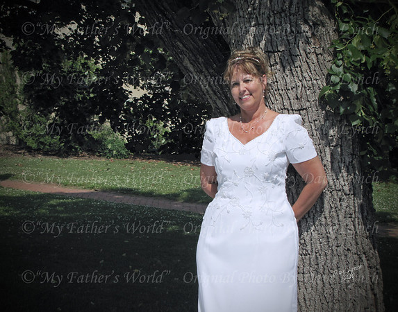 This Bridal Portrait #BP0174x8x10 Will Print Best In The Following Sizes:<br /> 4x5 - 5x6.7 - 8x10 - 11x14 - 16x20<br /> It Would Be Best To Email Your Order To ArtGalleryRiverRd@gmail.com to Be Sure Of A Proper Fit For Your Size Choices.<br /> The Prices Can Be Found On The Buy Button<br /> Package Prices Can Also Be Found On The Buy Button