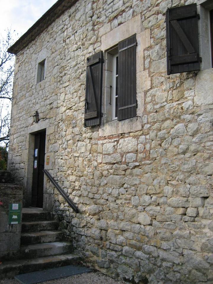 entrance to le Vert