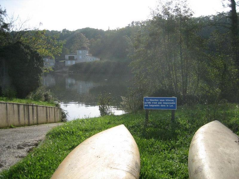 Canoes and kayaks at Guillalmes