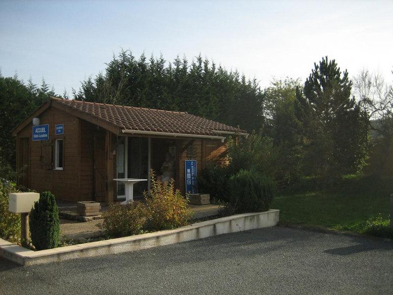 Reception and administration at Guillalmes