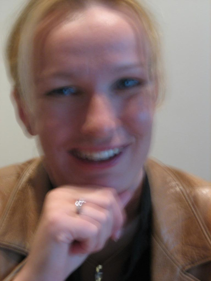 Petra showing her ring. Her eyes are filled with tears and my hands are shaking like crazy... LOL