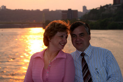 Bob and Joyce enjoying the evening - Pittsburgh, PA ... September 9, 2006 ... Photo by Rob Page III