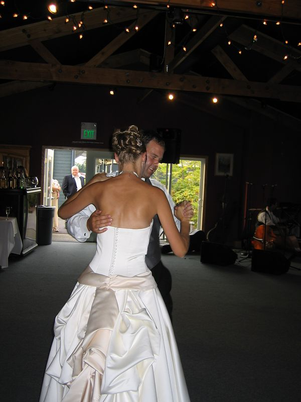 Just a natural first dance, no script or preparation