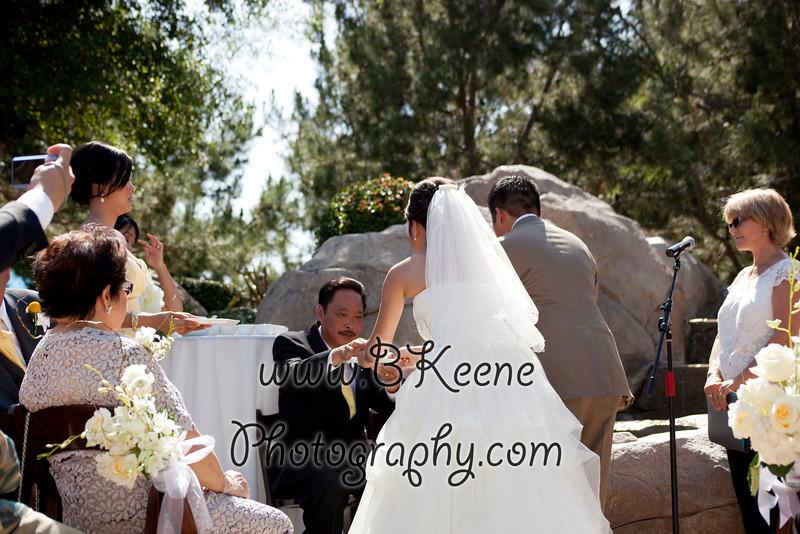 Ngoc&Byron_Ceremony_BKeenePhoto027