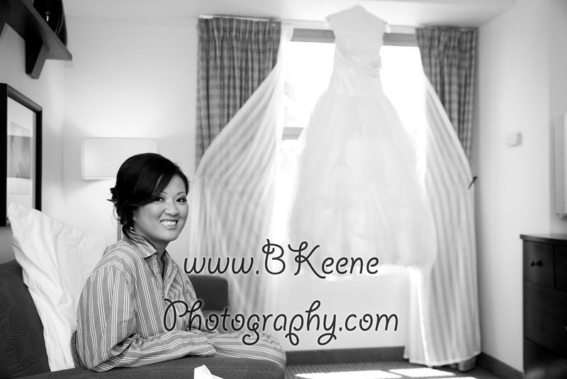 Ngoc&Byron_GettingReady_BKeenePhoto-45