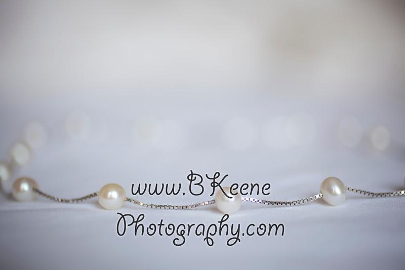 Ngoc&Byron_GettingReady_BKeenePhoto-2