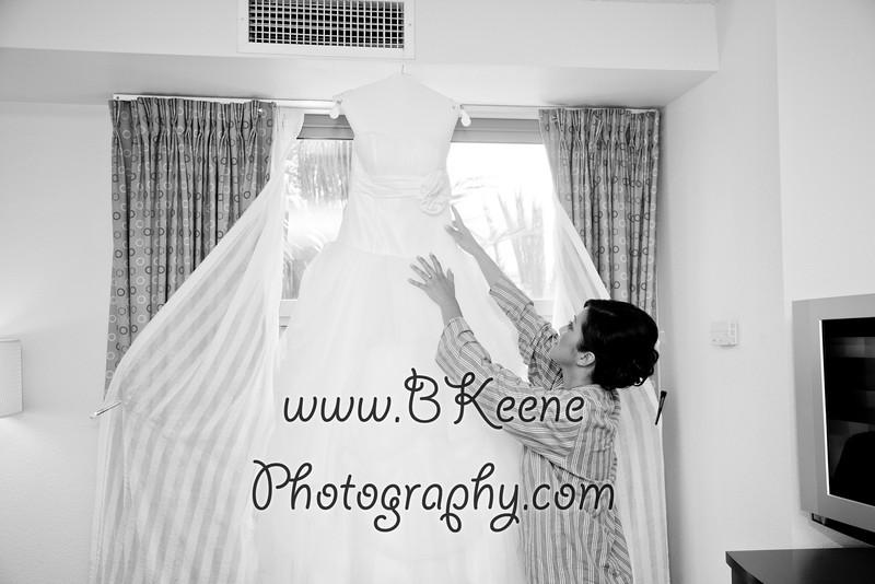 Ngoc&Byron_GettingReady_BKeenePhoto-48