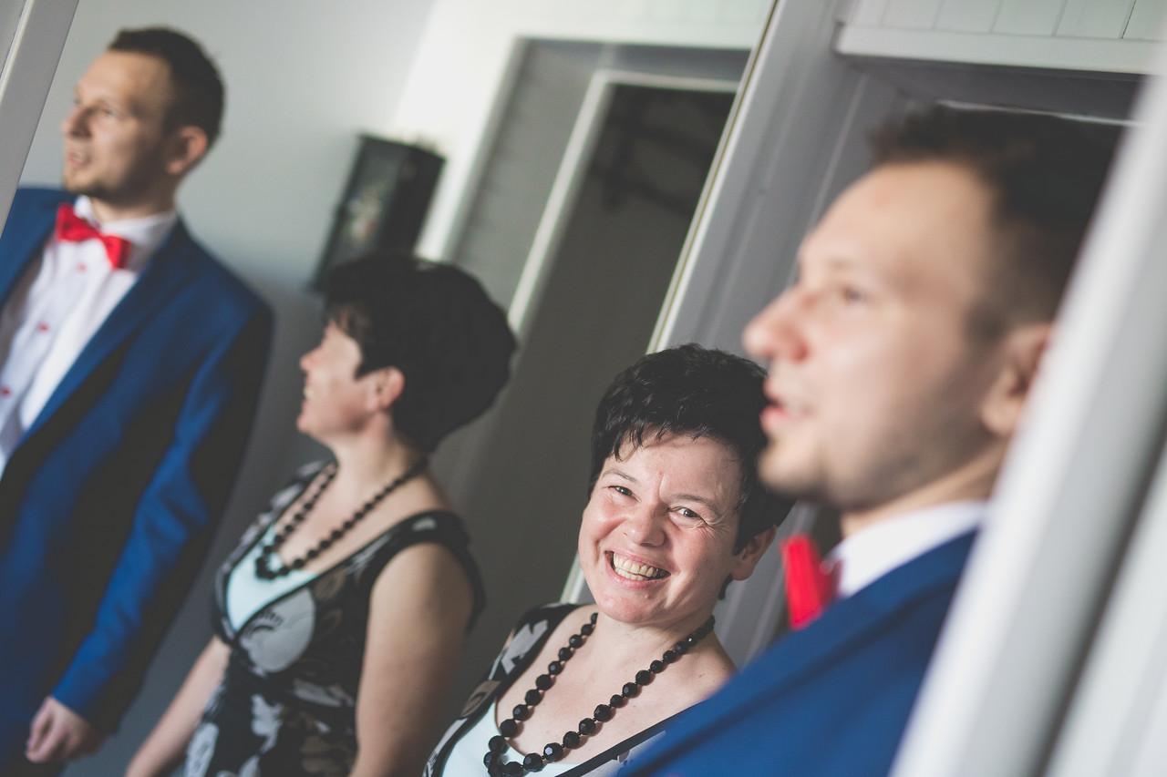 IMAGE: https://photos.smugmug.com/Weddings/Olga-i-Marcin-wed-Temp/i-6nCP3C5/0/X2/pic-6-X2.jpg