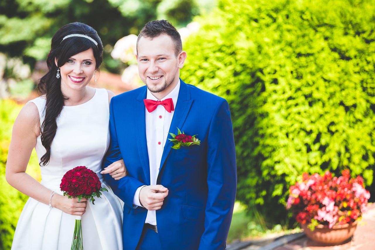 IMAGE: https://photos.smugmug.com/Weddings/Olga-i-Marcin-wed-Temp/i-MTFxmZG/0/X2/pic-57-X2.jpg
