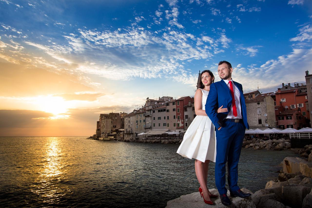 IMAGE: https://photos.smugmug.com/Weddings/Olga-i-Marcin-wed-Temp/i-v4vrz2v/0/X2/IMG_1170-2-X2.jpg