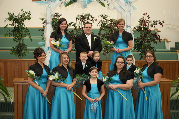 groom-bridesmaids