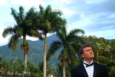 Cliff, enjoying the beautiful weather - Medellin, Colombia ... October 22, 2011 ... Photo by Rob Page III