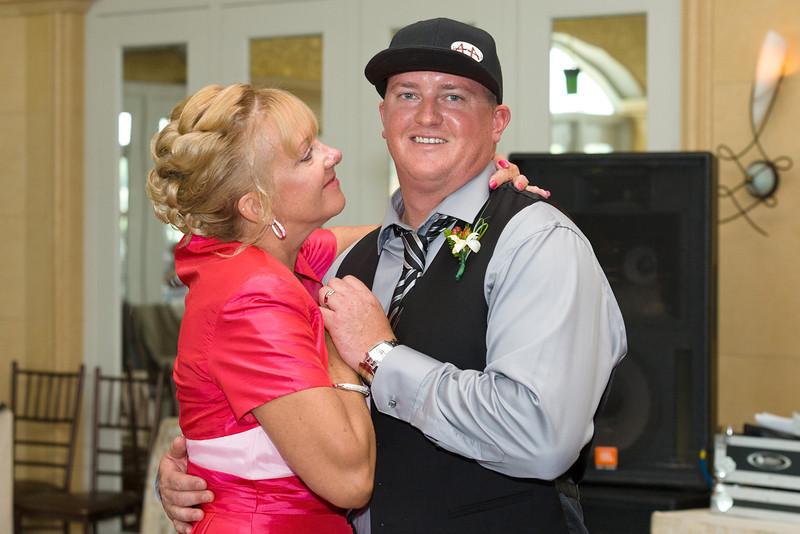542-Wedding-Reception-Chesapeake-Inn