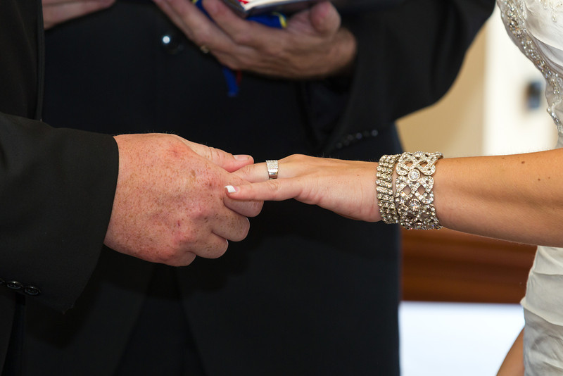 109-Ceremony-Chesapeake-Inn