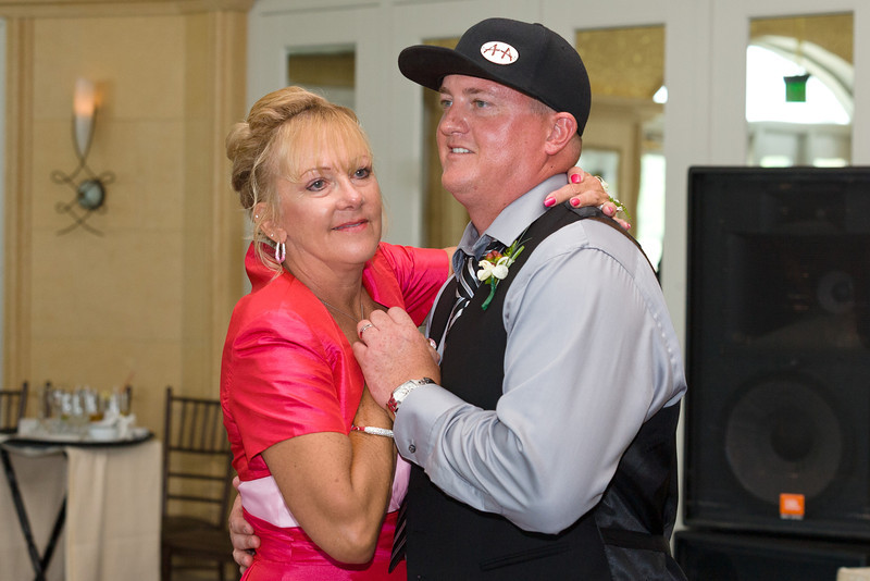 543-Wedding-Reception-Chesapeake-Inn