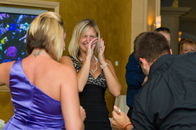 523-Wedding-Reception-Chesapeake-Inn