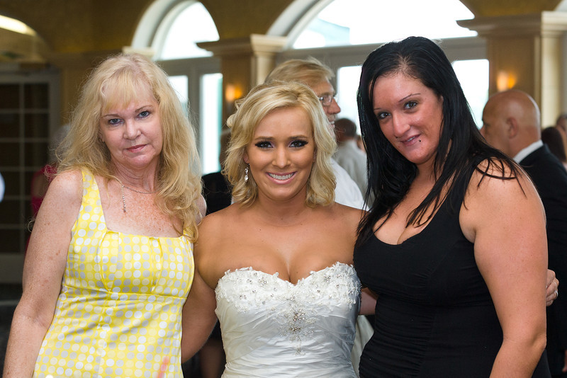 329-Wedding-Reception-Chesapeake-Inn