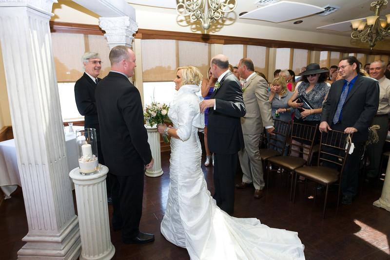 083-Ceremony-Chesapeake-Inn