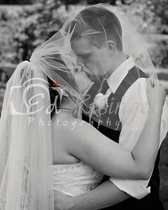 WeddingParty-Maddie-Anthony-KissBW