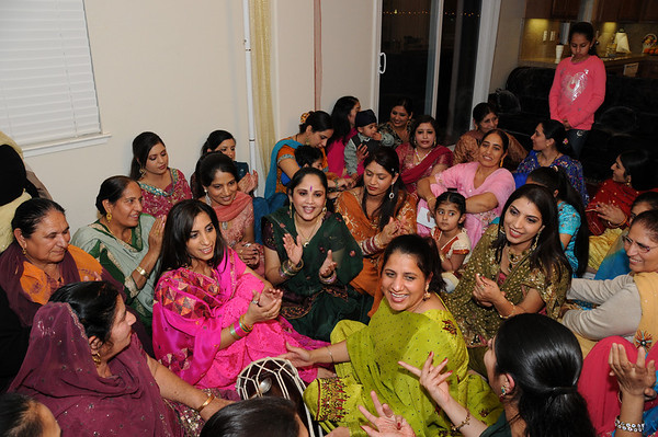 Ranjit's Lady Sangeet and Chunni Pictures