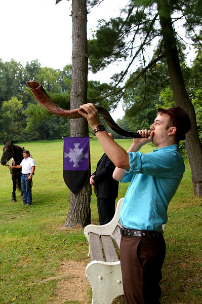 Michael blew the shofar at 9:09 to signify the beginning of the ceremony.  Traditionally, the shofar is used as a call to worship, and in a conversation before the ceremony, we learned that it was the horn used to bring down the walls of Jericho.