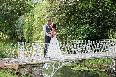 Rebecca & Matt Wedding day at Spetchley Park Gardens Worcestershire