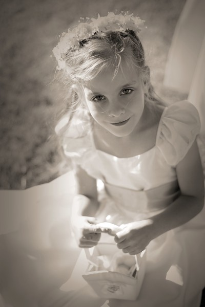 Liked this one of the flower girl in grey scale too