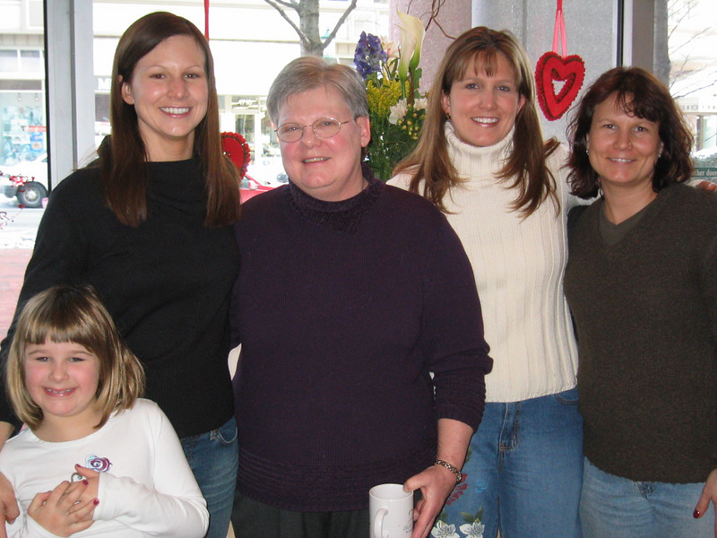 Julia, Sally, Mom, Amy, and Laura