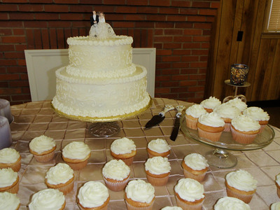 Sarah and Troy's original wedding cake topper was used on the 50th anniversary cake!