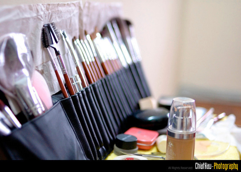 Make up tools from the MUA. :)