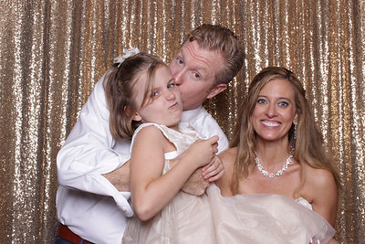 Shannon + Christopher // BOOTHTASTIC!!