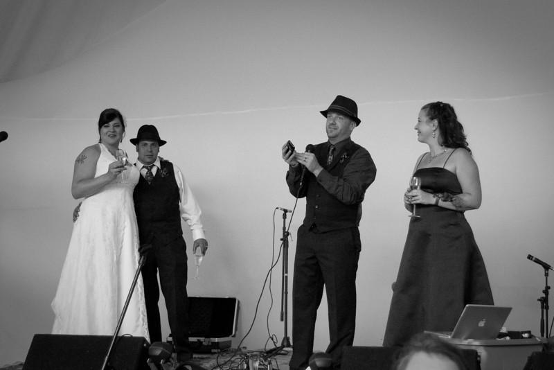 Phil-and-Jen-wedding-423-9996