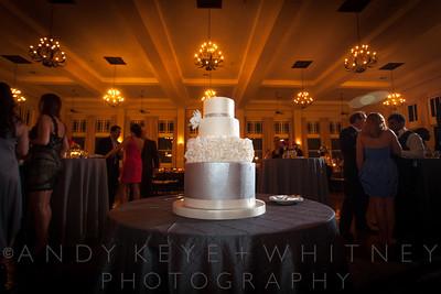 AK+W - Cake, Bouquet & Garter-3