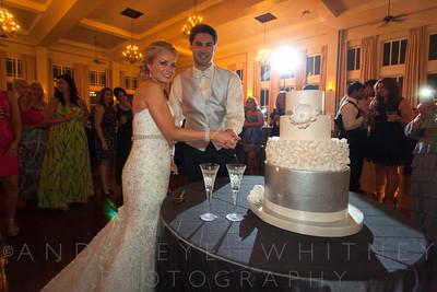 AK+W - Cake, Bouquet & Garter-9