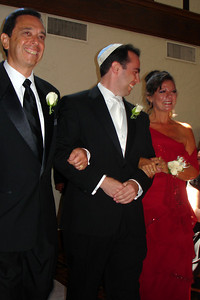 Walking down the aisle - Chicago, IL ... July 29, 2007 ... Photo by Rob Page III