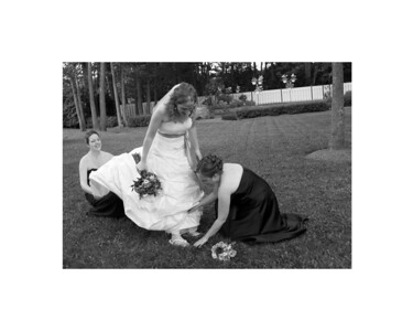 helping bride 8x10bw