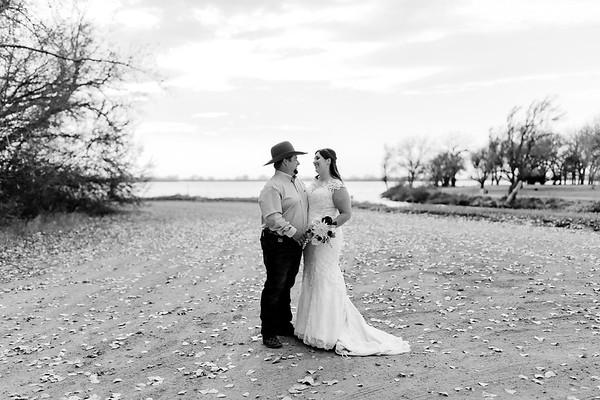 00003©ADHphotography2020--AnnaTadHenkenius--Wedding--November7bw