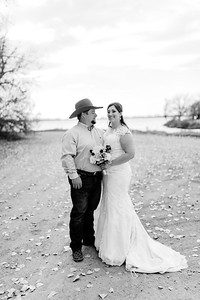 00008©ADHphotography2020--AnnaTadHenkenius--Wedding--November7bw