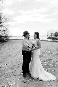 00004©ADHphotography2020--AnnaTadHenkenius--Wedding--November7bw