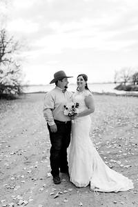 00007©ADHphotography2020--AnnaTadHenkenius--Wedding--November7bw