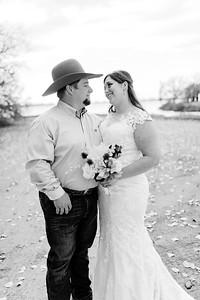 00009©ADHphotography2020--AnnaTadHenkenius--Wedding--November7bw