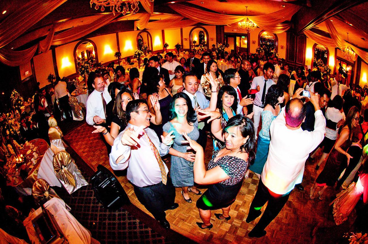 The reef restaurant long beach wedding.