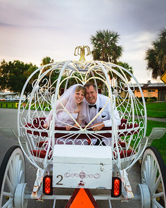 supple_wedding_carriage_ride_1053