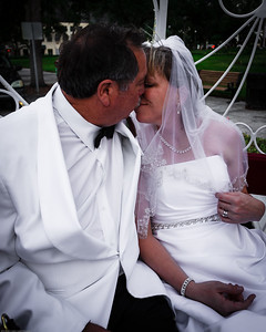 supple_wedding_carriage_ride_1024