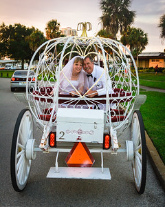 supple_wedding_carriage_ride_1057