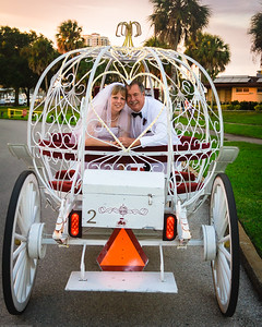 supple_wedding_carriage_ride_1060