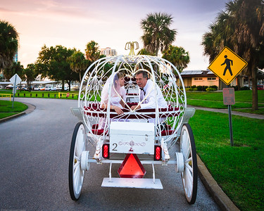 supple_wedding_carriage_ride_1062