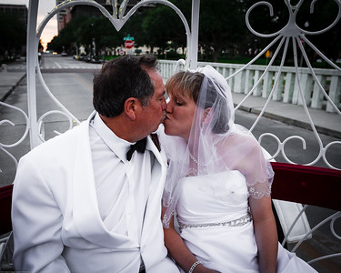 supple_wedding_carriage_ride_1027