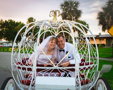 supple_wedding_carriage_ride_1052